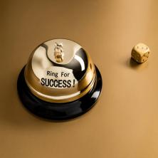 """Stalo skambutis """"SUCCESS"""""""