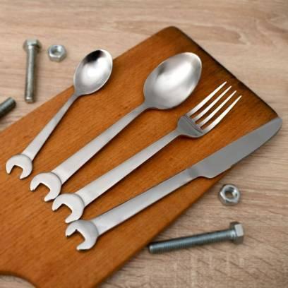Stalo įrankių rinkinys meistrui